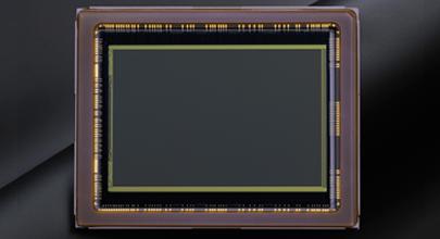 КМОП-матрица формата FX (полнокадровый режим) с разрешением 24,3 мегапикселя